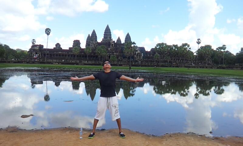 angkorwat_pose